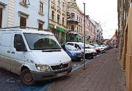 У Чернівцях деякі парковки подорожчають майже у десять разів